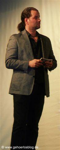 Gehörloser Moderator Oliver Sieben
