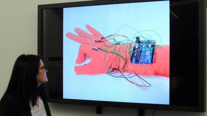 Gebärden-Handschuh für Gehörlose