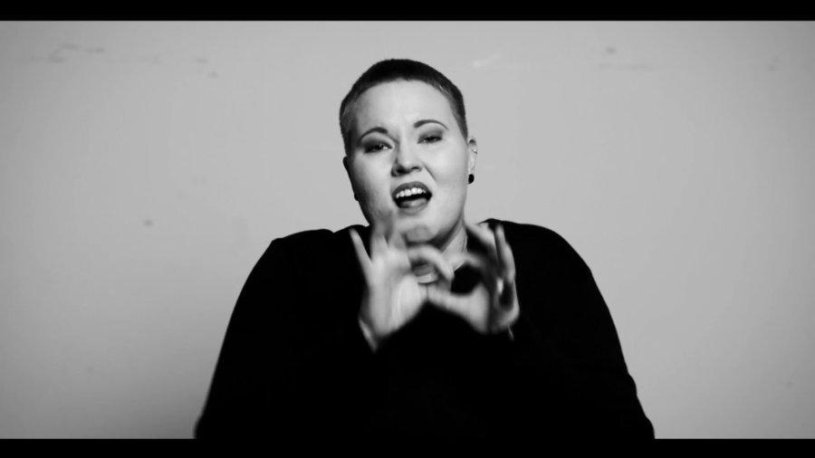Musik in der Gebärdensprache – Laura M. Schwengber